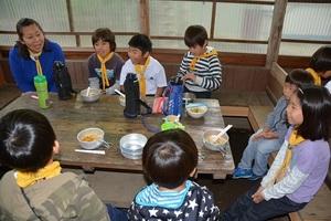 22-�C-4♪ご飯だご飯だ〜♪2組.JPG